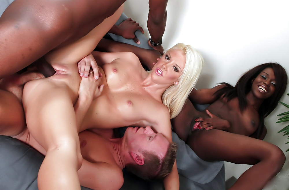 trio-sex-black-nice-sex-ass