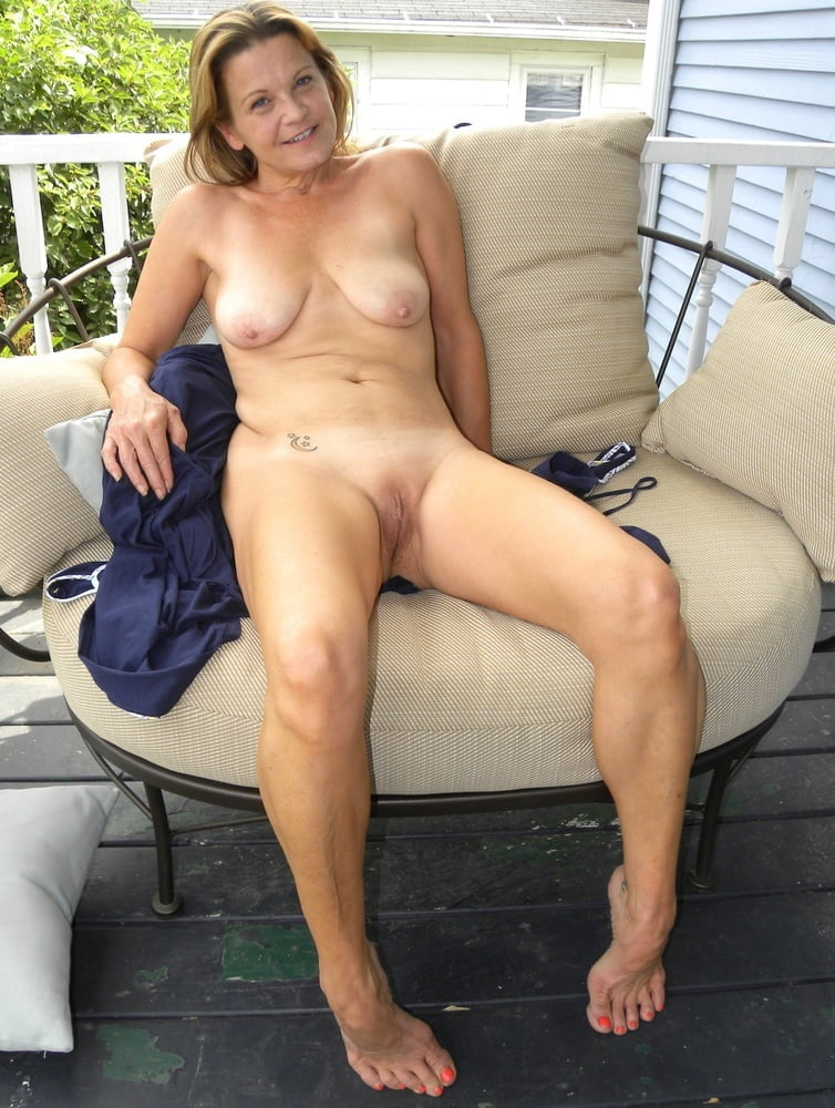Amateur mature housewife softcore portal