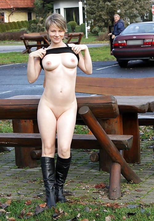 dare-nude-female