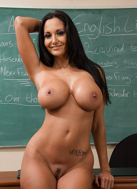 photo-of-nude-american-teacher