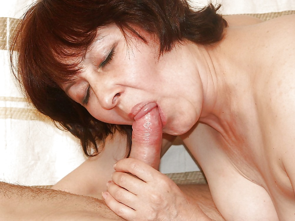 Pictures of women having oral sex