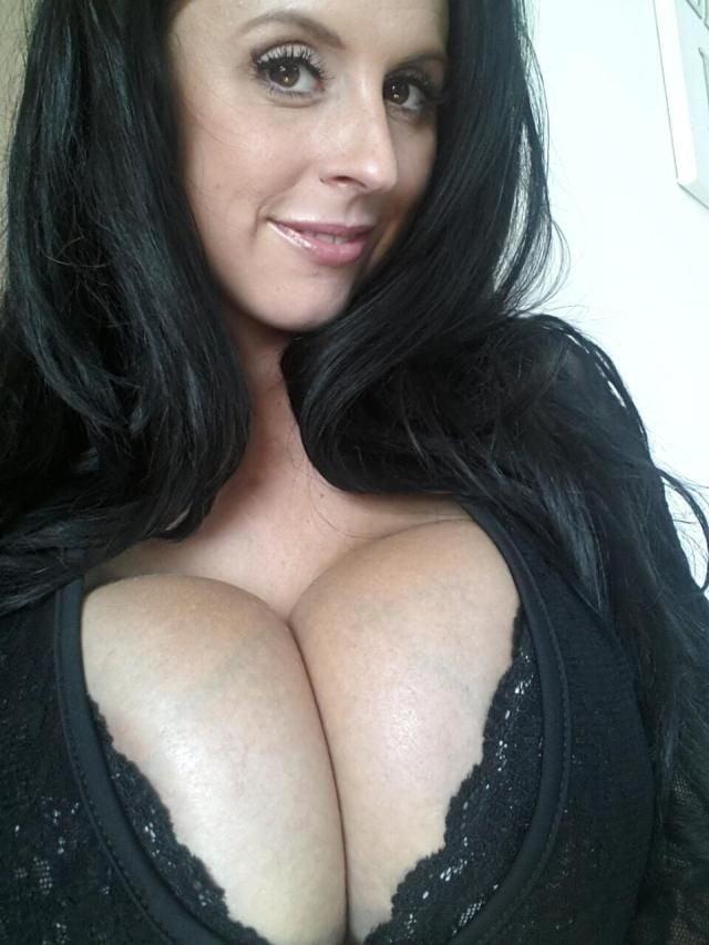 Tumblr milf cleavage