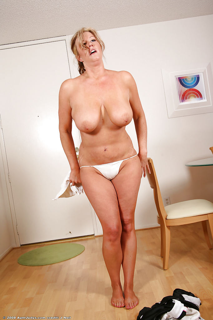 Shy mature stripping galleries — pic 6