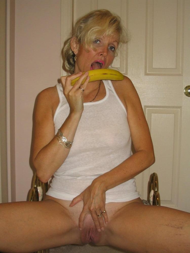 Banana - 22 Pics