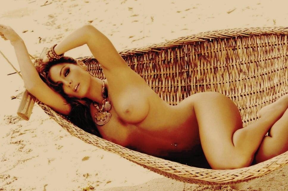 Jacqueline fernandez nude kissing and sex hot scene acording to matthew