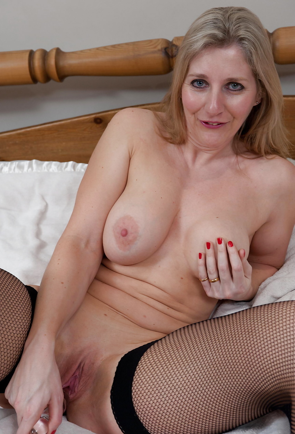 Hot sexy canadian mature — pic 15