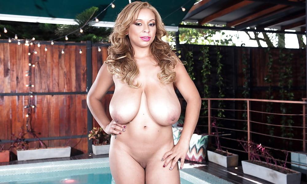 Shara Lopez Tits
