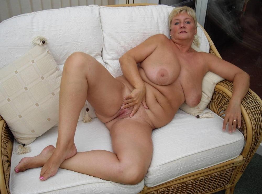 Hot Older Women - 64 Pics