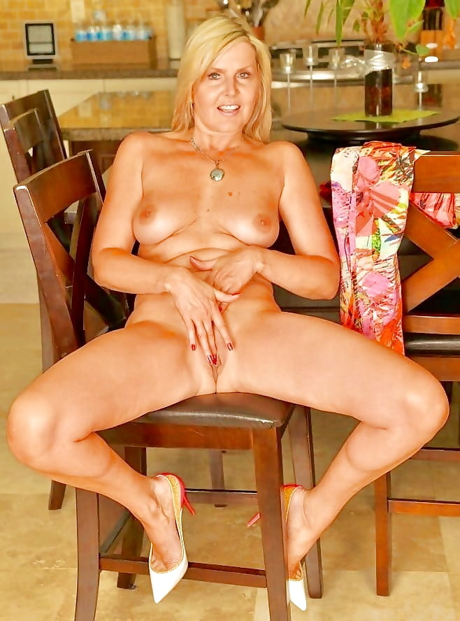 Strict milf nude — img 3