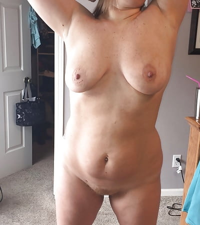 girls naked in mirror