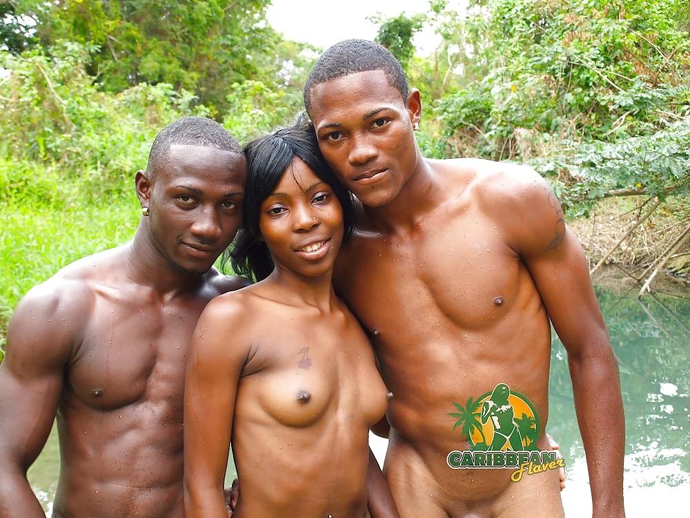 подъезда увидел порно фото члены африканцев аборигенов все