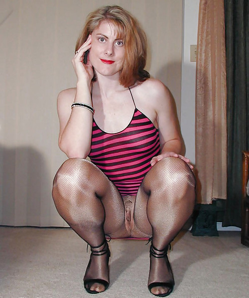 Mommy in pantyhose, girls nude tits upclose
