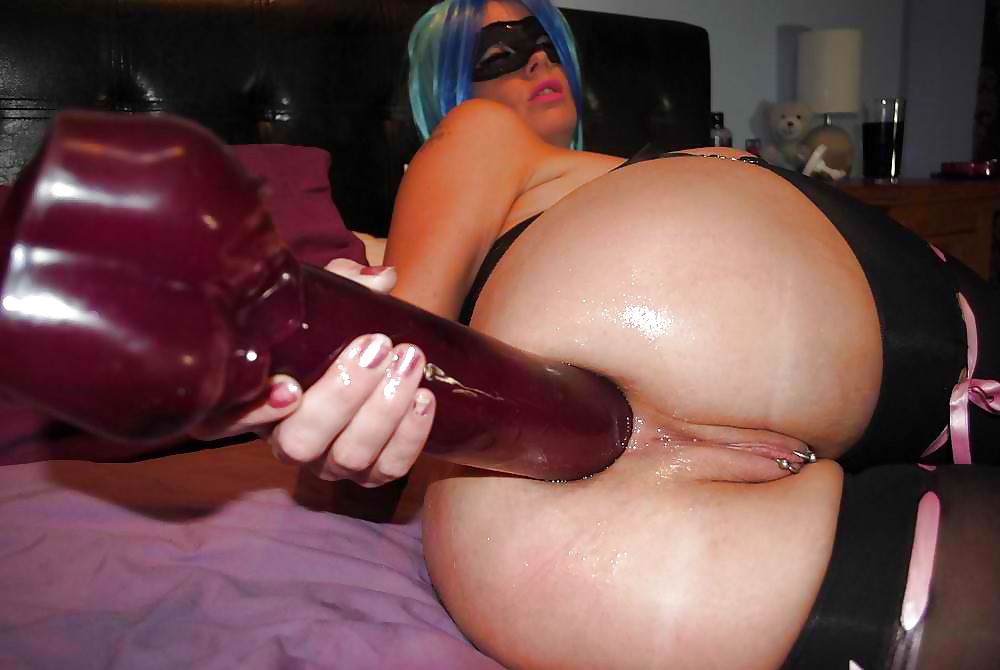 butt-dildo-in-use-red-head-girl-pussy-spread-open
