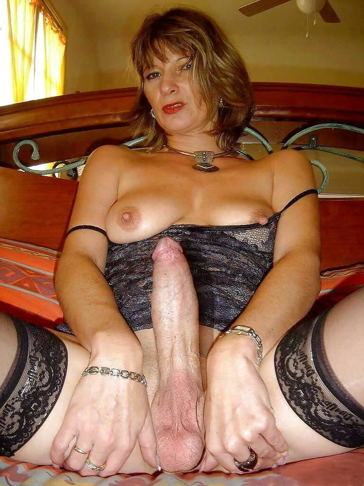 Mature shemale porn photo