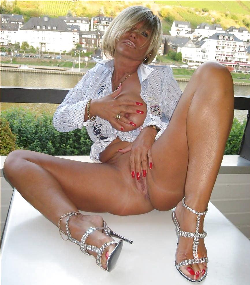 Lady Barbara Sexy Milf