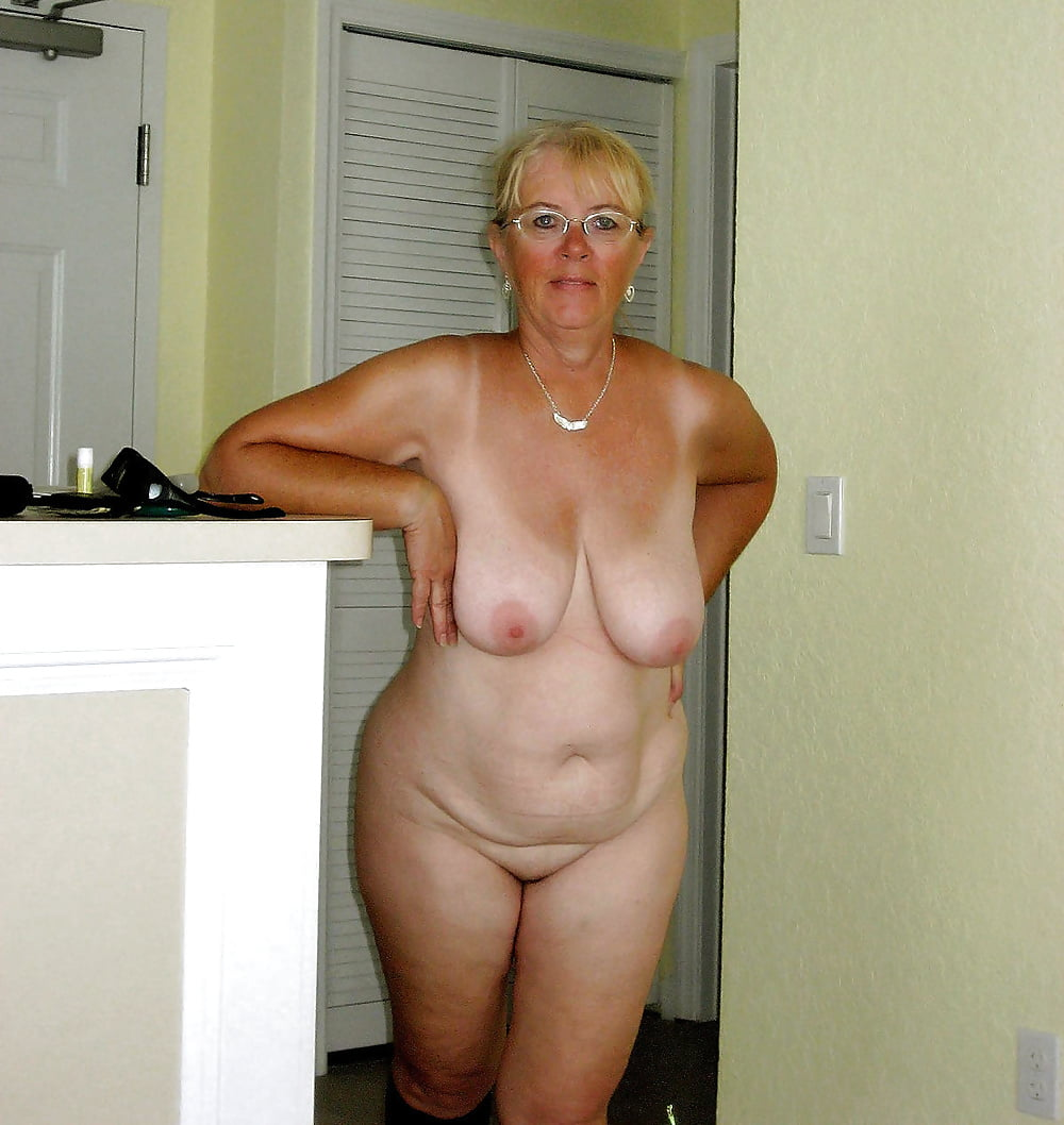 Saggy Granny Naked Outdoor Porn Pics