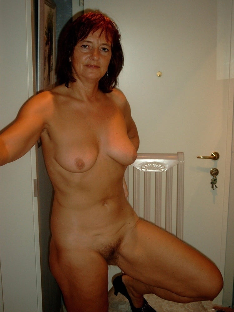 amateur wife first time lesbian