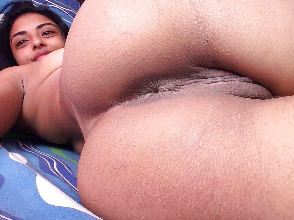 Big ass ebony women photographed nude