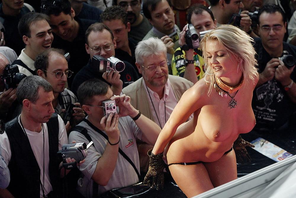 Смотреть порно фестиваль в каннах, вагина расположенная очень высоко фото