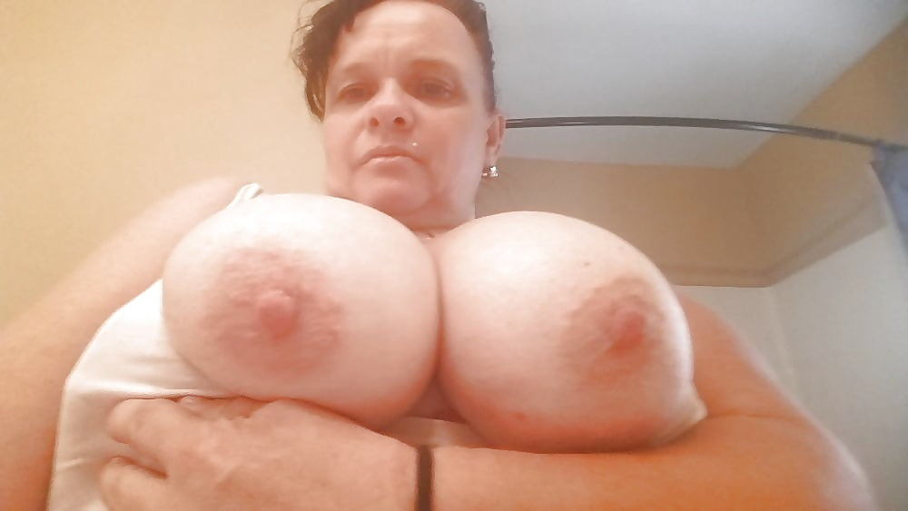 Mature bbw thumbs