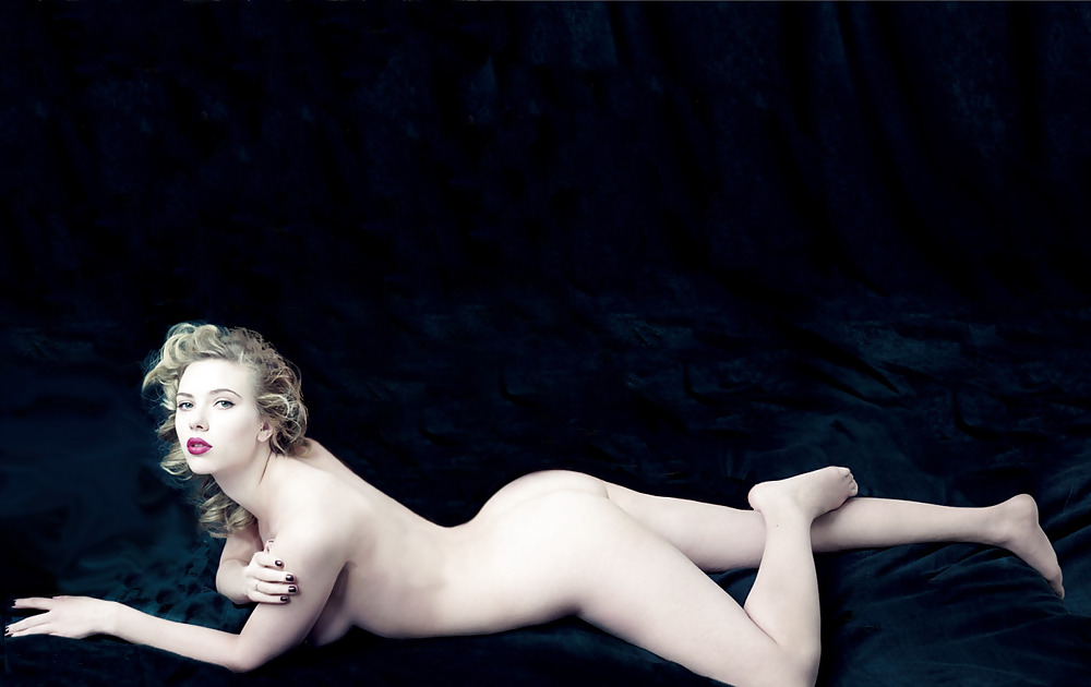 nude-johanson
