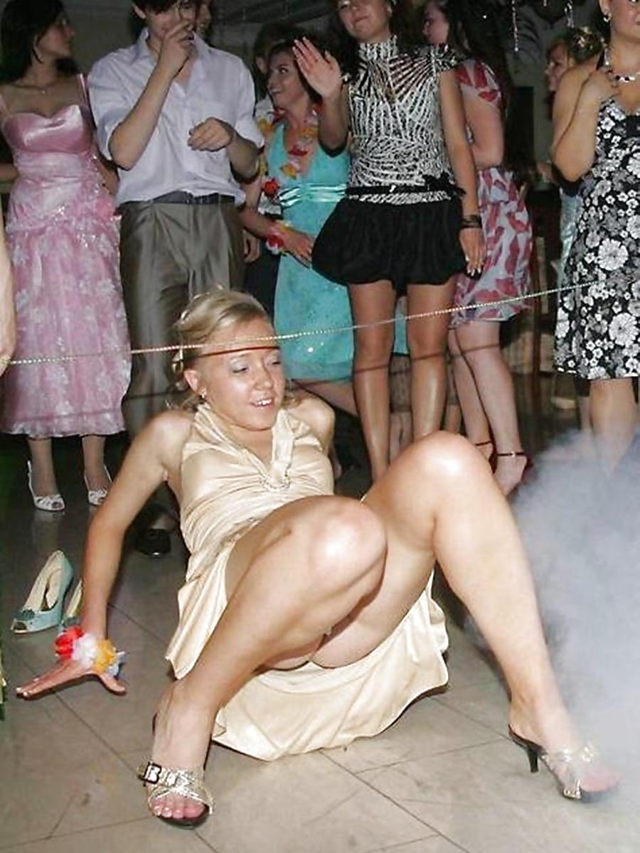 упс в танцах на свадьбах случайные засветы эротика видео