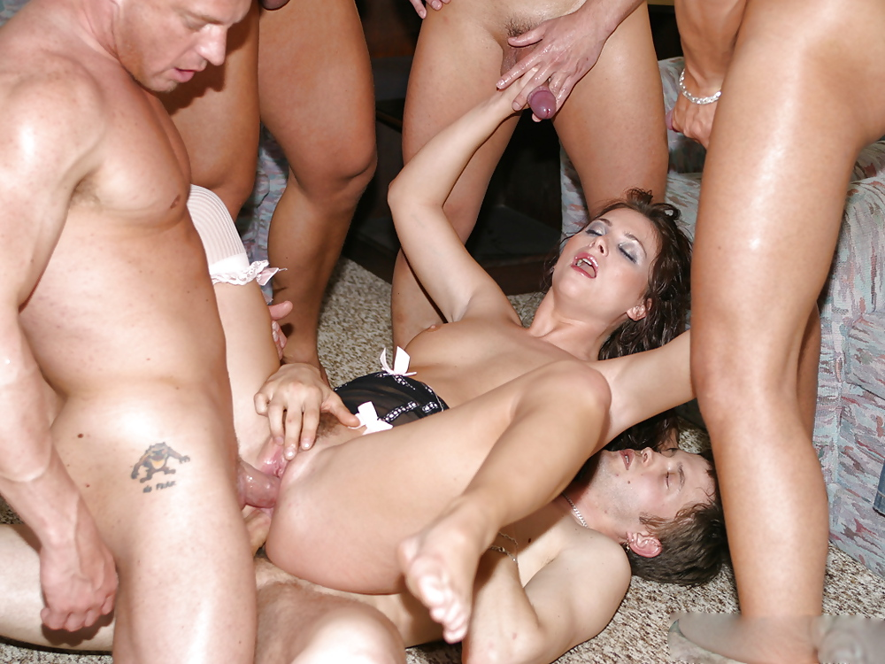 naked-group-fuck-cuming