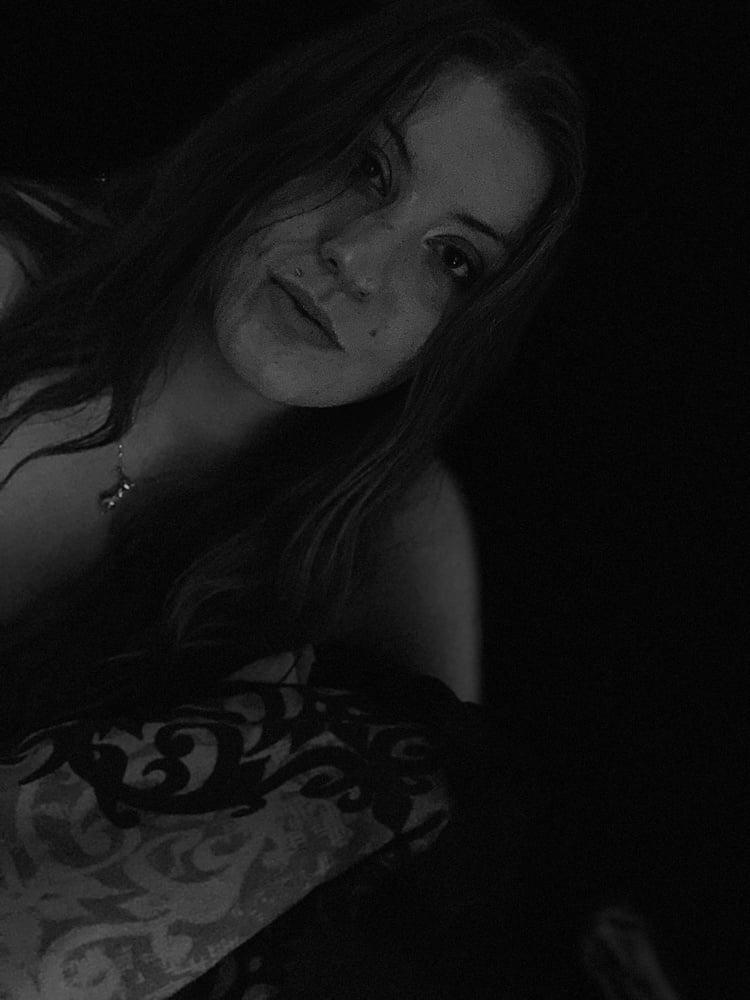 Black & White - 21 Pics