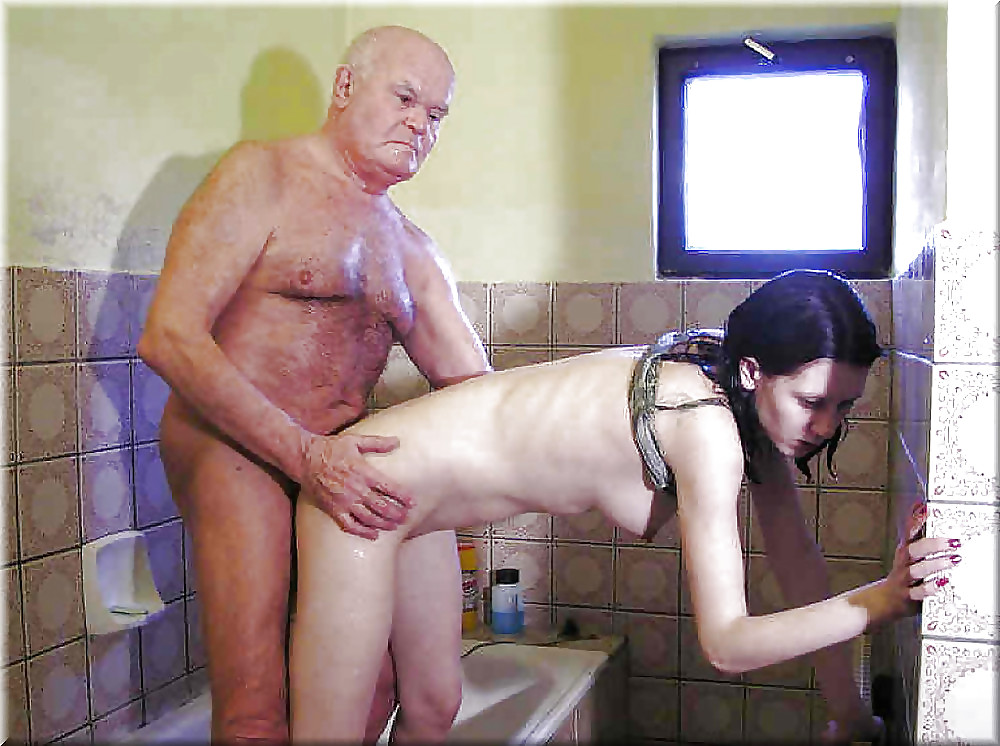 tiny-daughter-and-daddy-bath-xxx-naked-girl