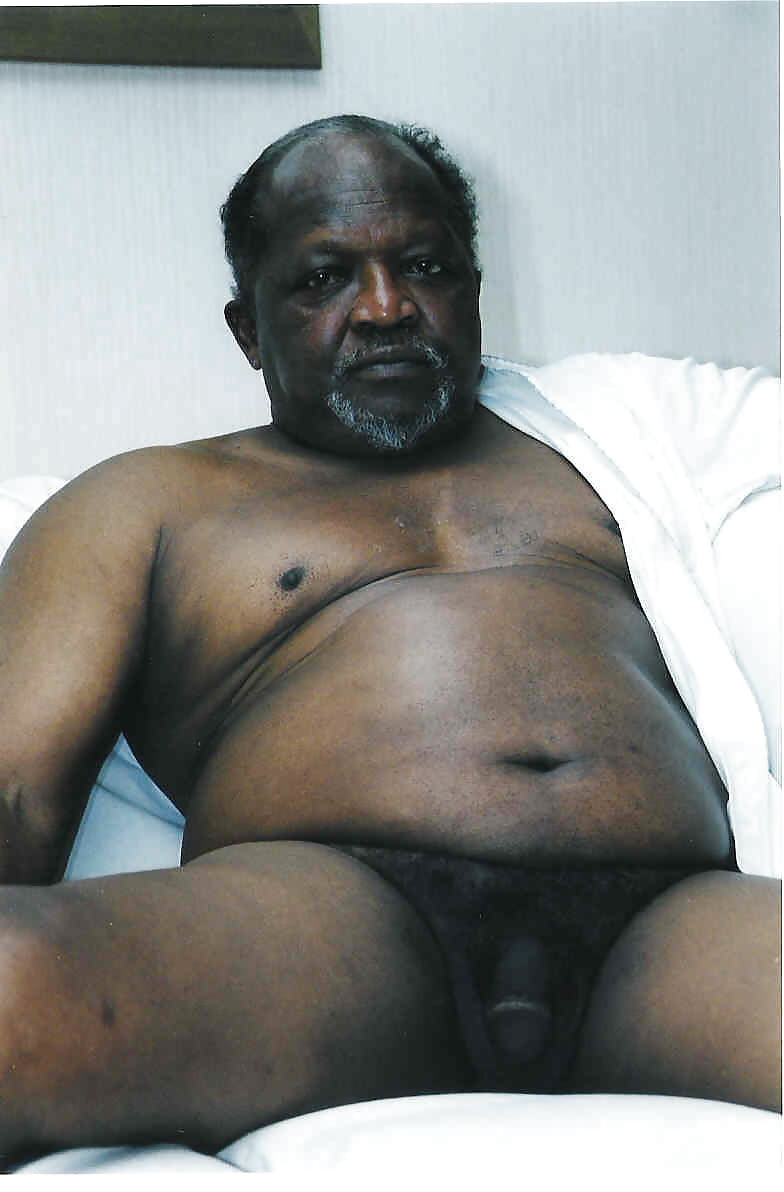 Naked black fat man — photo 11