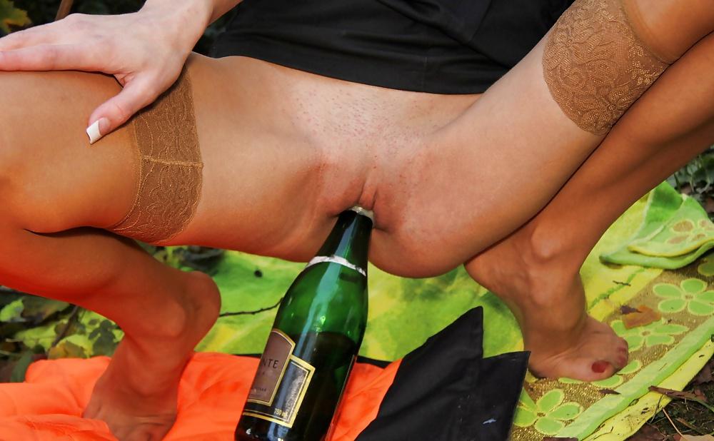 kak-zasunut-butilku-shampanskogo-v-kisku
