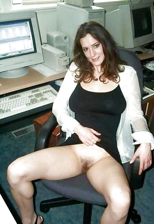 Dona de casa exibi calcinha pro enteado - 1 2