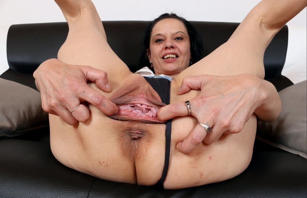 Mature hairy pussy anal sex gangbang