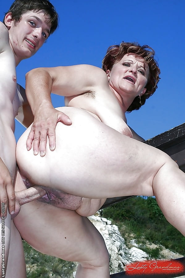 Naked granny vs young sex peach