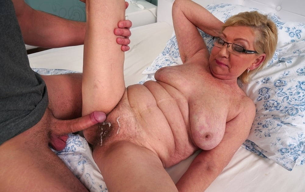 Granny Fucked Cunt Fucks With Cock And Strong Pigtailed Penis 1