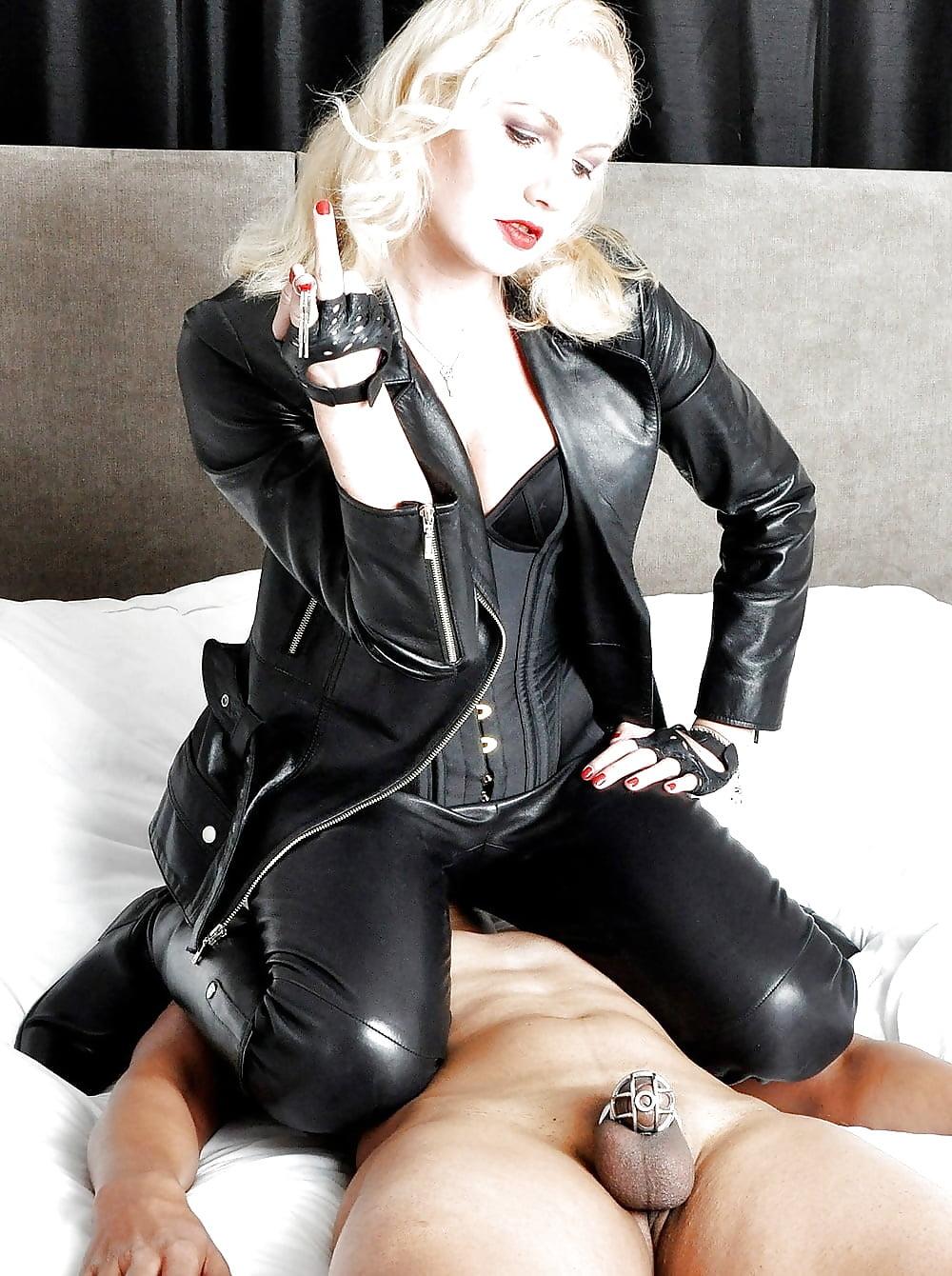 leather-femdom-mistress-chastity-peach-amateur-pics