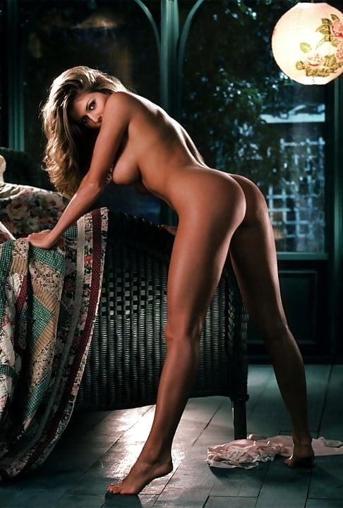 Has Kaitlin Olson Ever Been Nude