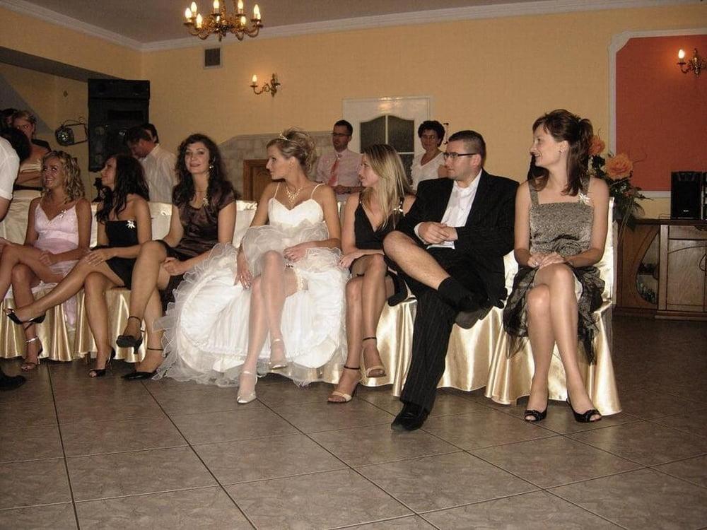 druzya-ottrahali-nevestu-na-svadbe