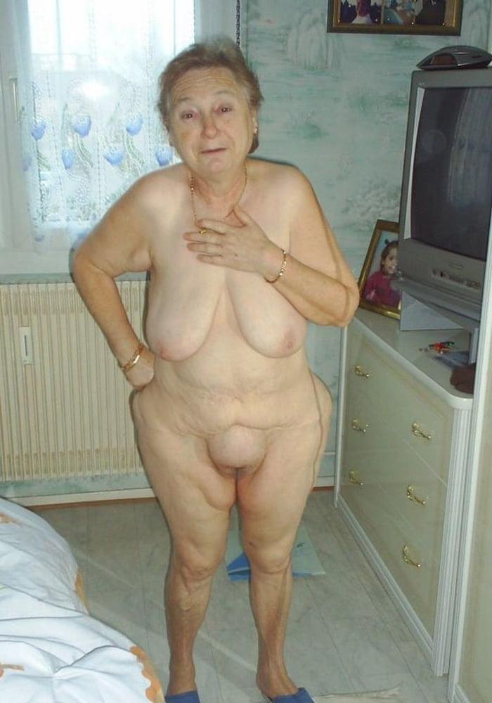 Девушки русские голые старушки
