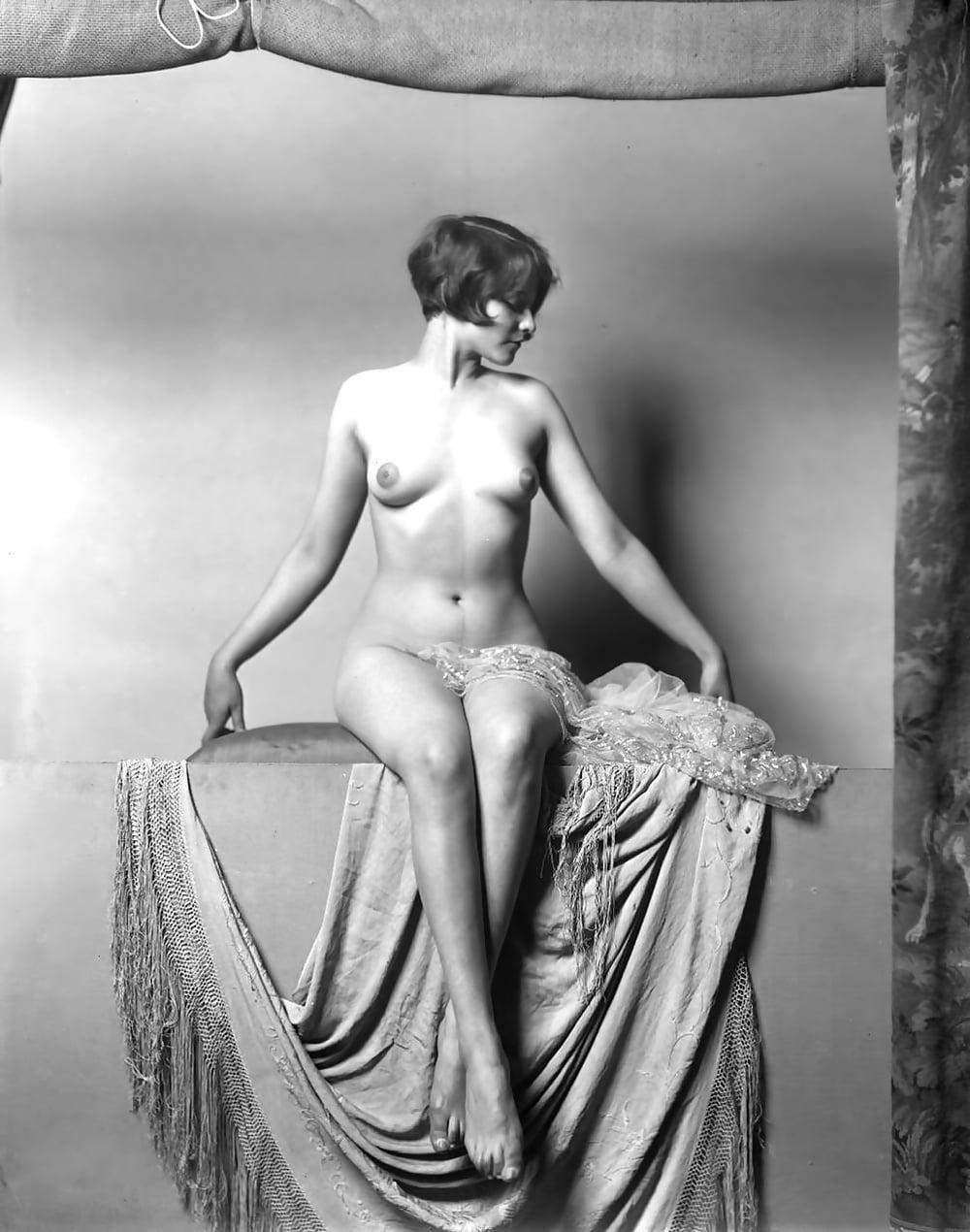 nakachivanie-staroe-retro-erotika