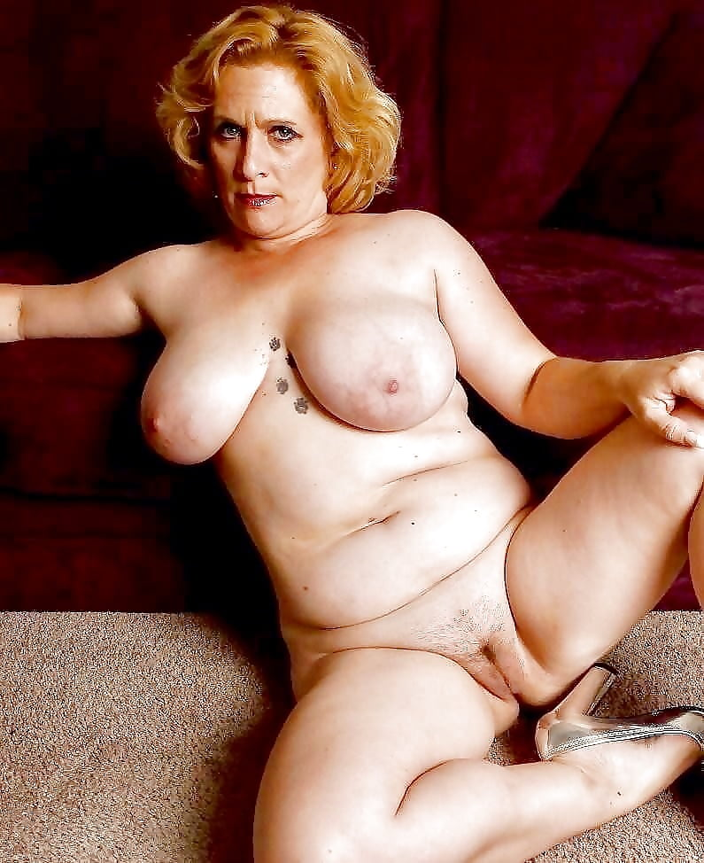 full-figured-naked-older