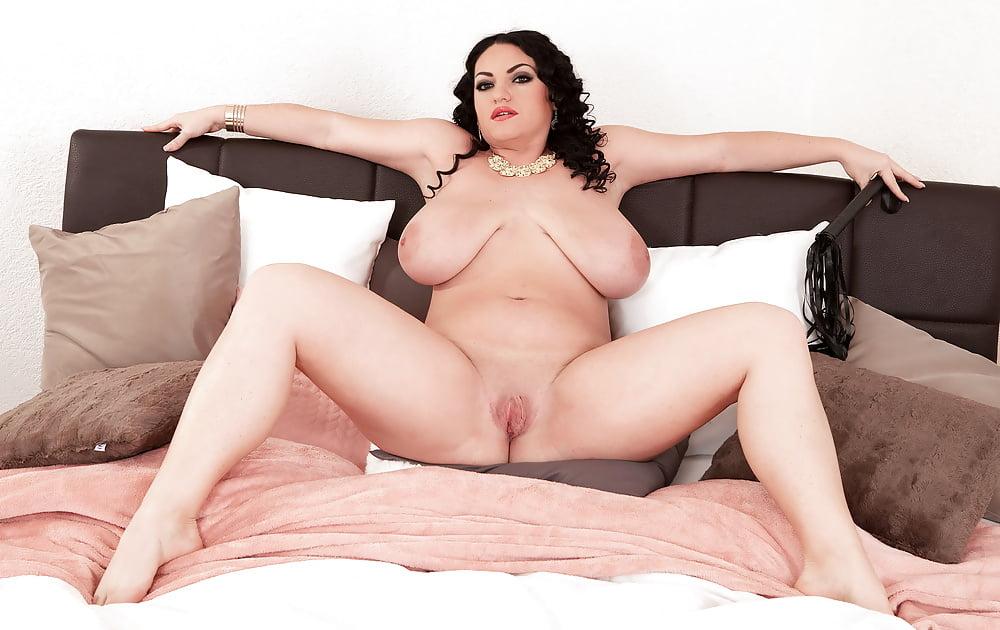 Voluptuous masturbation women, fingering her naked ass