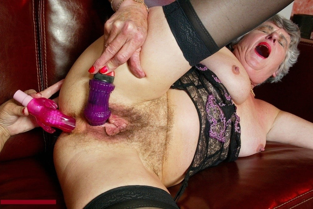 sonic-grannies-use-a-dildo-boob-galleriestures-hot