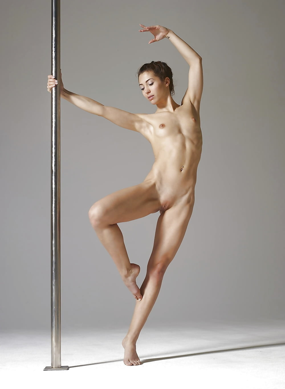 Naked Strippers Pole Dancing
