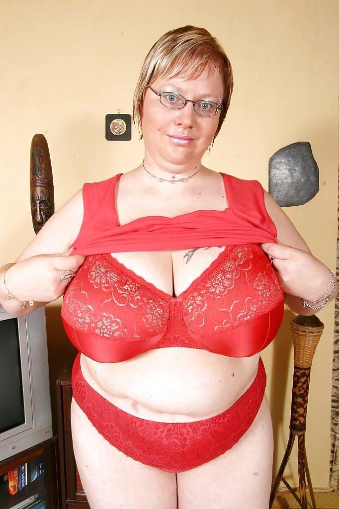 Bbw milf huge boobs