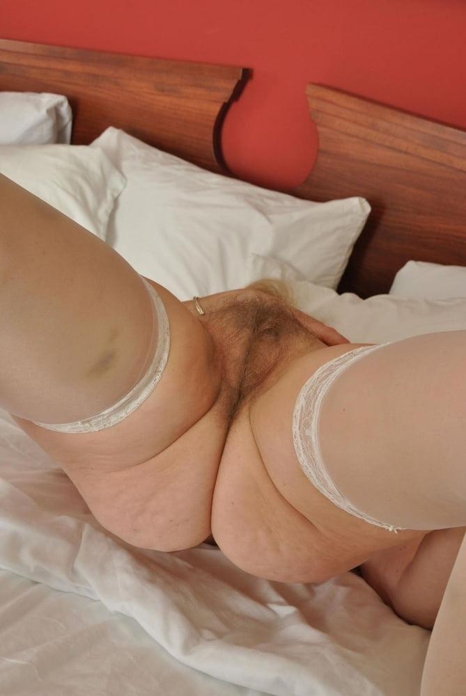 Пышные ножки в белых трусиках порно — pic 5