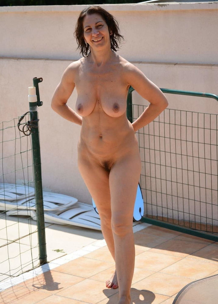 French milfs nude, big pussy lips on the beach