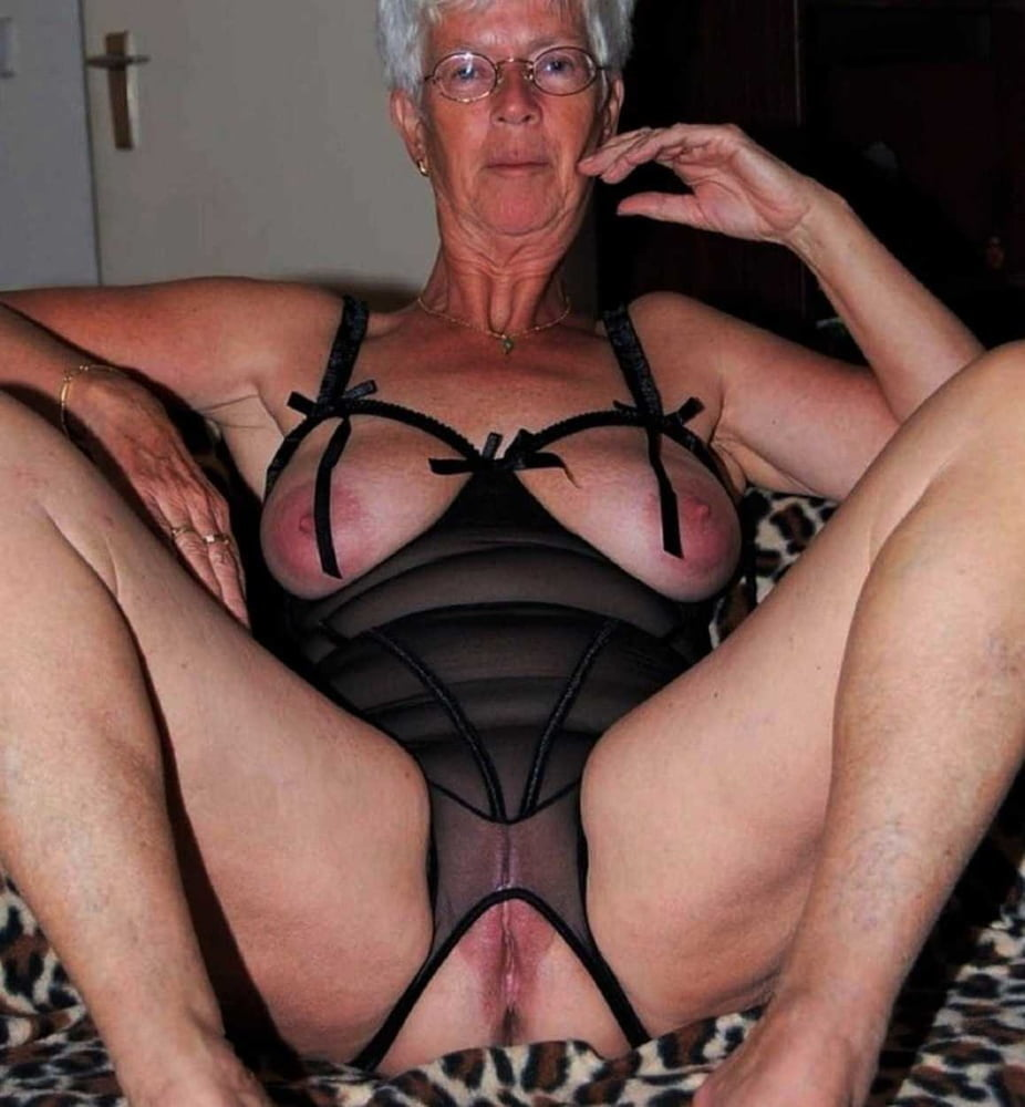Free granny foot fetish porn galery