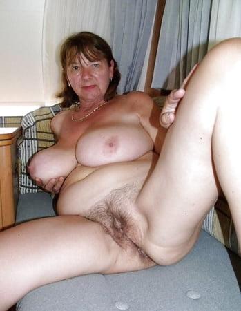Warm Nude Reife Damen Bilder HD