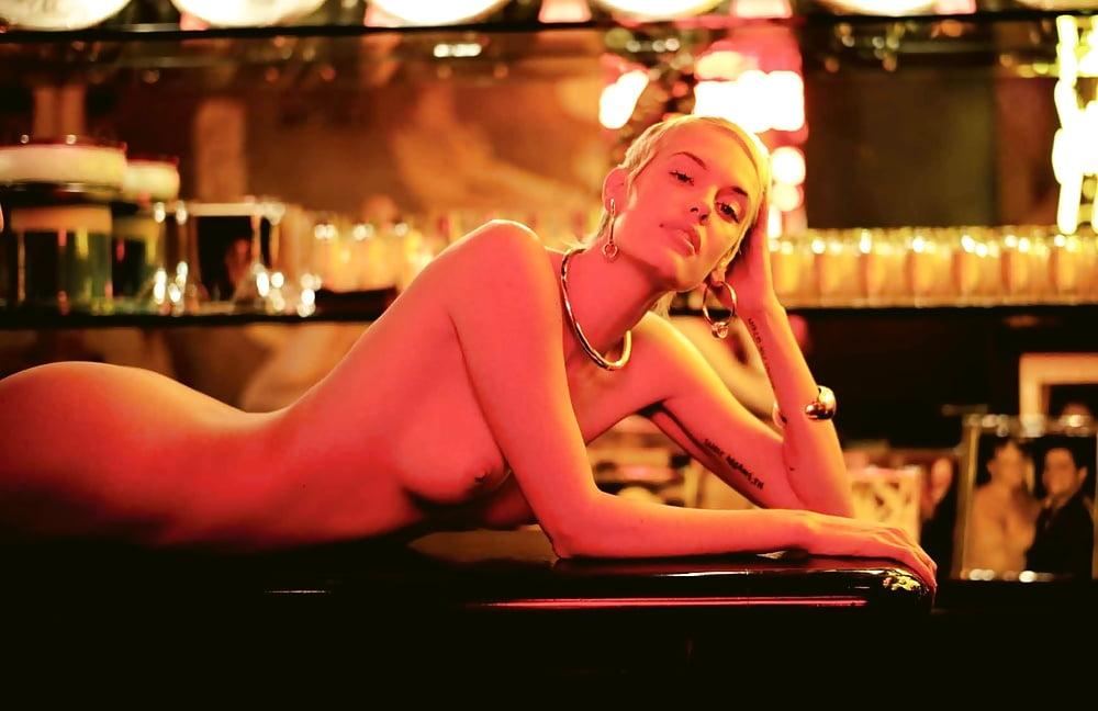 Wonder woman nude pics